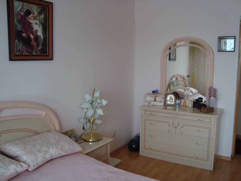 Продам 2-комн. квартиру по адресу Россия, Кемеровская область, Кемерово, ул. Свободы,6 фото 1 по выгодной цене