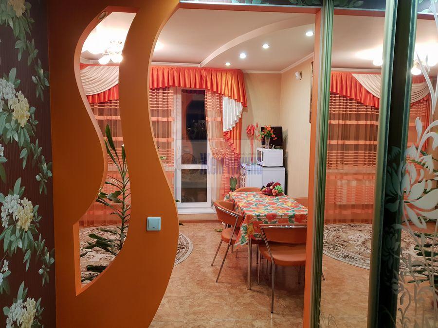 Продам 2-комн. квартиру по адресу Россия, Кемеровская область, Кемерово, ул. Александрова,2 фото 0 по выгодной цене