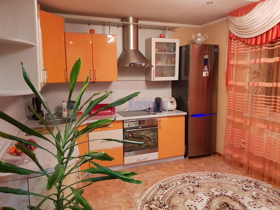 Продам 2-комн. квартиру по адресу Россия, Кемеровская область, Кемерово, ул. Александрова,2 фото 2 по выгодной цене