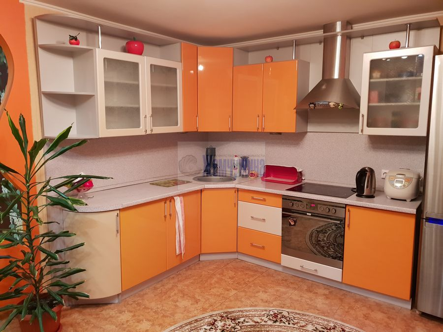 Продам 2-комн. квартиру по адресу Россия, Кемеровская область, Кемерово, ул. Александрова,2 фото 3 по выгодной цене