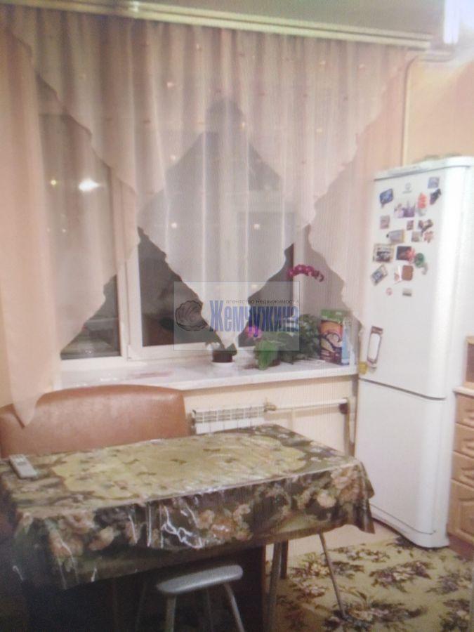 Продам 3-комн. квартиру по адресу Россия, Кемеровская область, Кемерово, ул. Тухачевского,27 фото 1 по выгодной цене