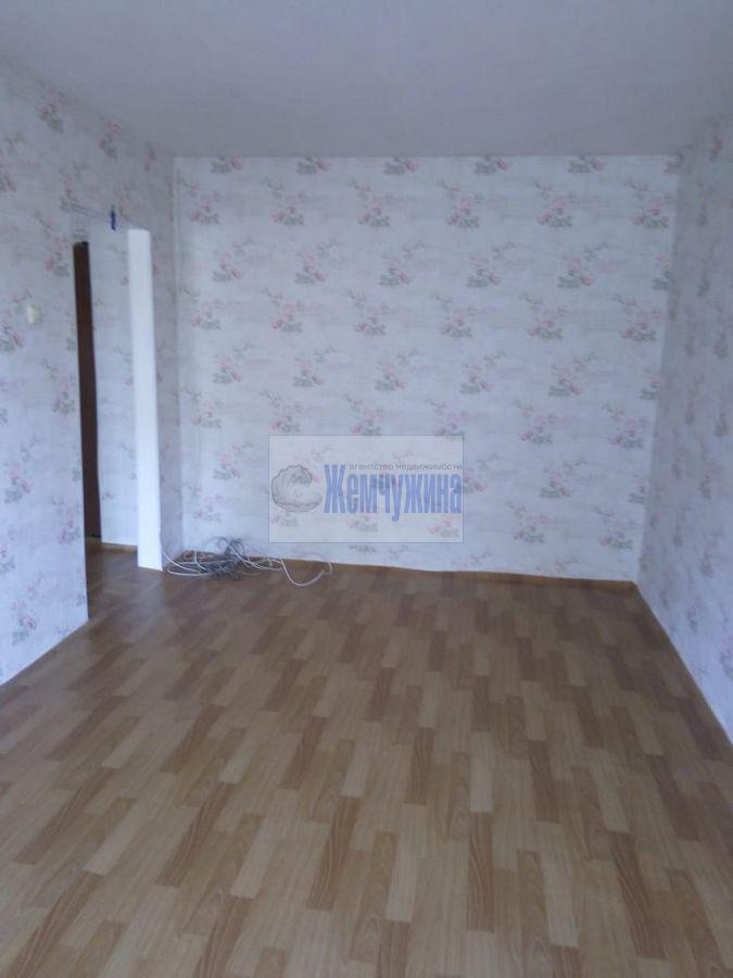 Продам 1-комн. квартиру по адресу Россия, Кемеровская область, Кемерово, б-р Строителей,46 фото 1 по выгодной цене