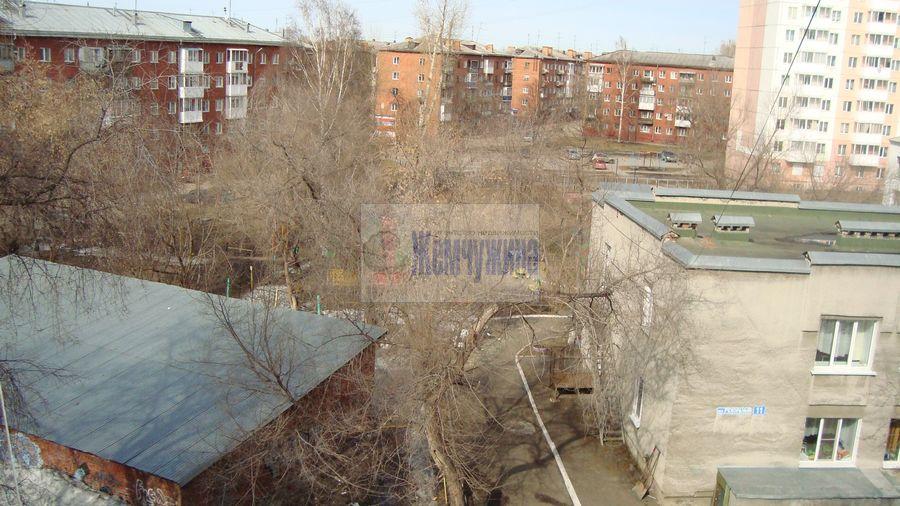Продам 3-комн. квартиру по адресу Россия, Кемеровская область, Кемерово, ул. 40 лет Октября,27 фото 16 по выгодной цене