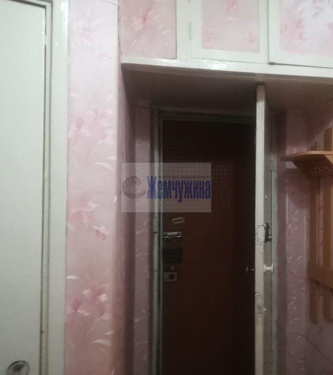 Продам 2-комн. квартиру по адресу Россия, Кемеровская область, Кемерово, ул. Инициативная,1а фото 2 по выгодной цене