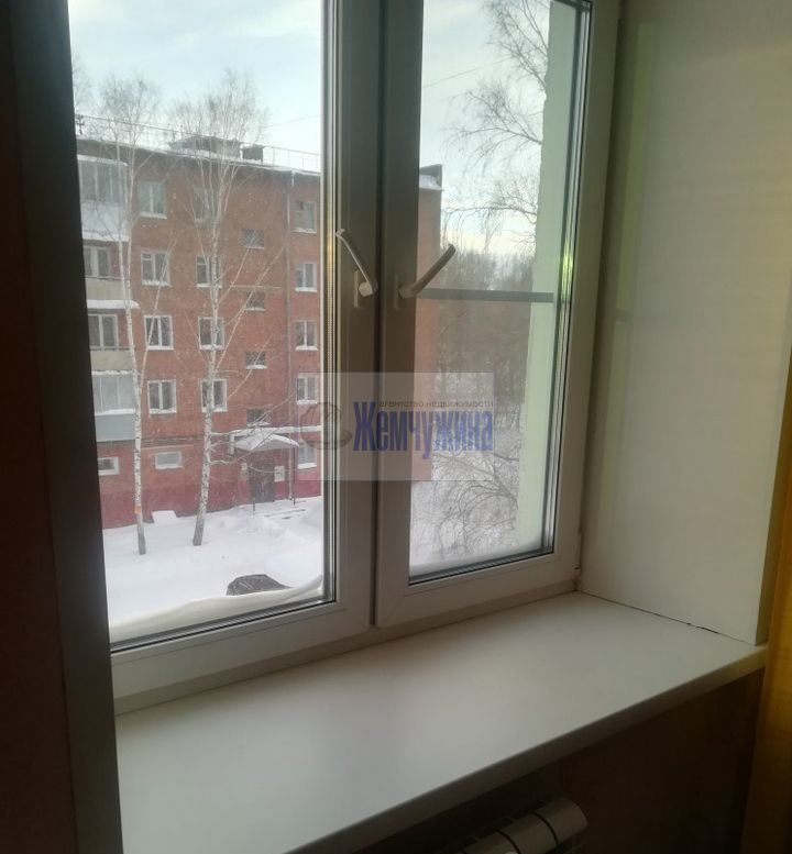 Продам 2-комн. квартиру по адресу Россия, Кемеровская область, Кемерово, ул. Инициативная,1а фото 7 по выгодной цене