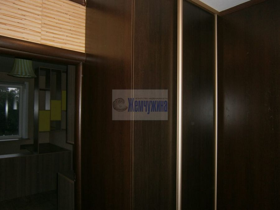 Продам 3-комн. квартиру по адресу Россия, Кемеровская область, Кемерово, пр-кт Ленина,80 фото 2 по выгодной цене
