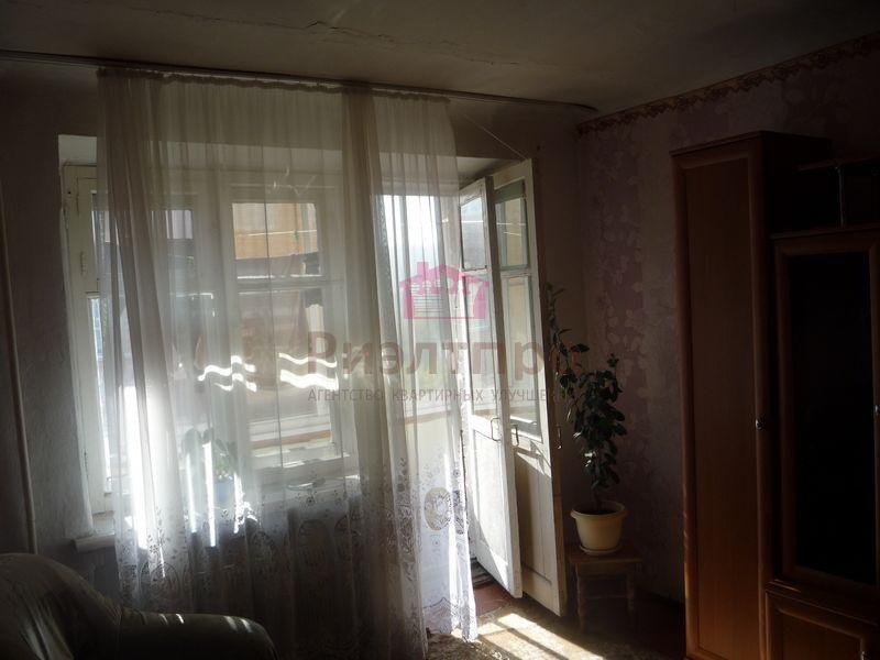 Продам 3-комн. квартиру по адресу Россия, Кемеровская область, Новокузнецк, ул. Веры Соломиной,32 фото 3 по выгодной цене