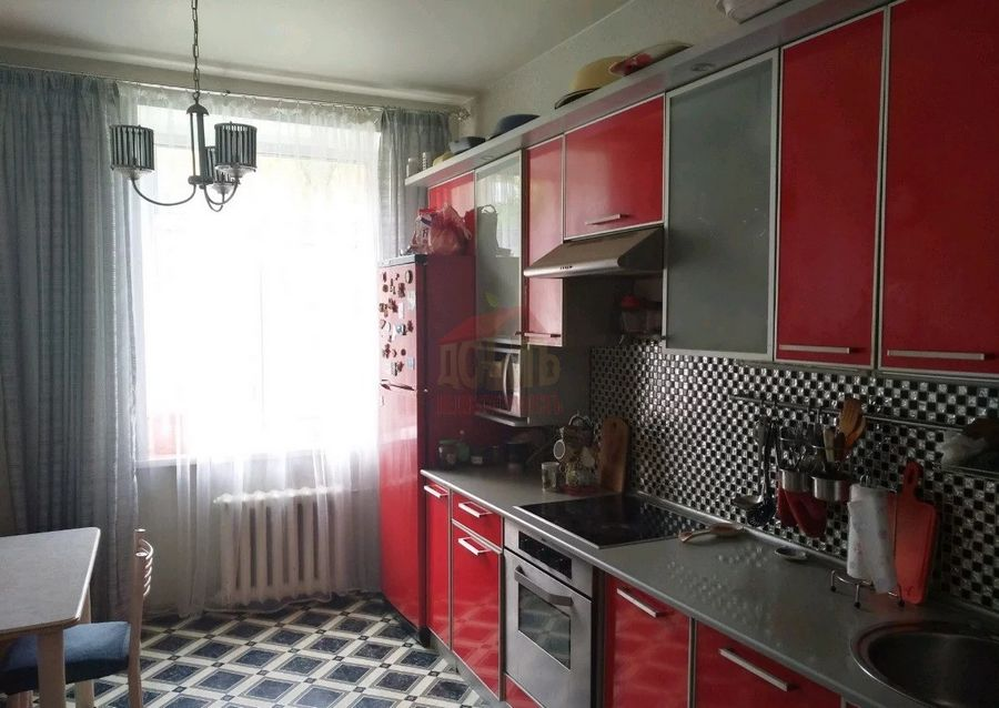 Бурденко, 18, 4-к квартира