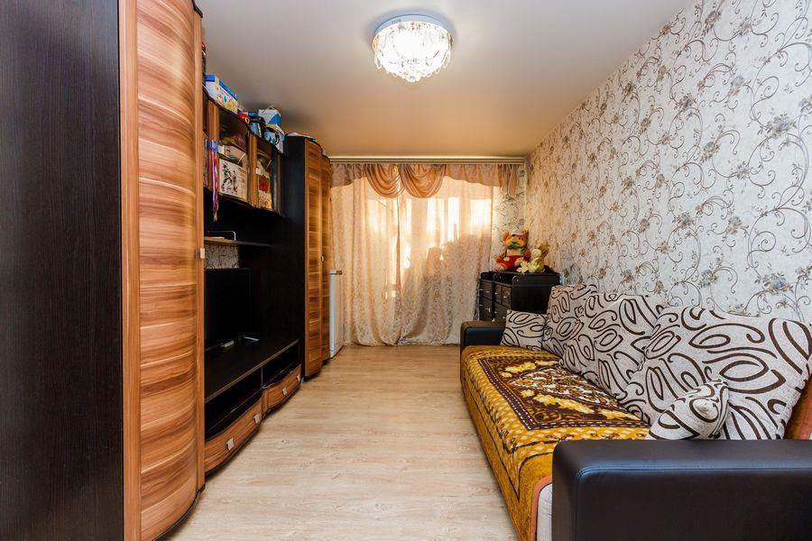 Продам 2-комн. квартиру по адресу Россия, Новосибирская область, Новосибирск, ул. Петухова,118 фото 0 по выгодной цене