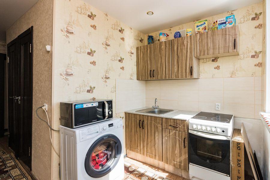 Продам 2-комн. квартиру по адресу Россия, Новосибирская область, Новосибирск, ул. Петухова,118 фото 4 по выгодной цене