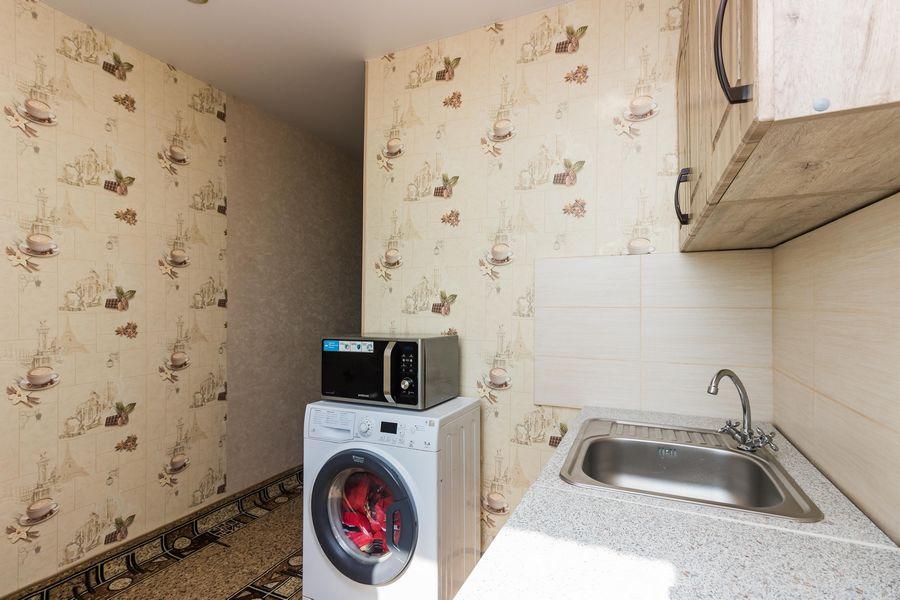 Продам 2-комн. квартиру по адресу Россия, Новосибирская область, Новосибирск, ул. Петухова,118 фото 5 по выгодной цене