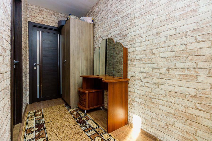 Продам 2-комн. квартиру по адресу Россия, Новосибирская область, Новосибирск, ул. Петухова,118 фото 13 по выгодной цене