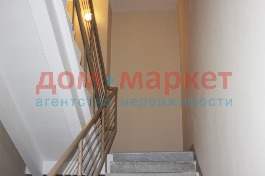 Продам 2-комн. квартиру по адресу Россия, Новосибирская область, Новосибирск, ул. Тихвинская,1а фото 3 по выгодной цене