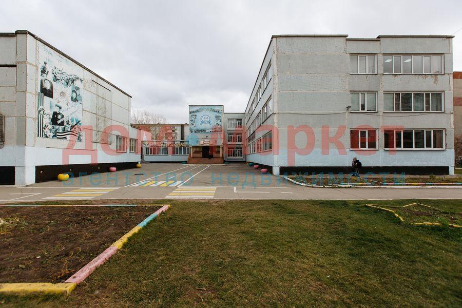 Продам 2-комн. квартиру по адресу Россия, Новосибирская область, Новосибирск, ул. Связистов,139 фото 3 по выгодной цене