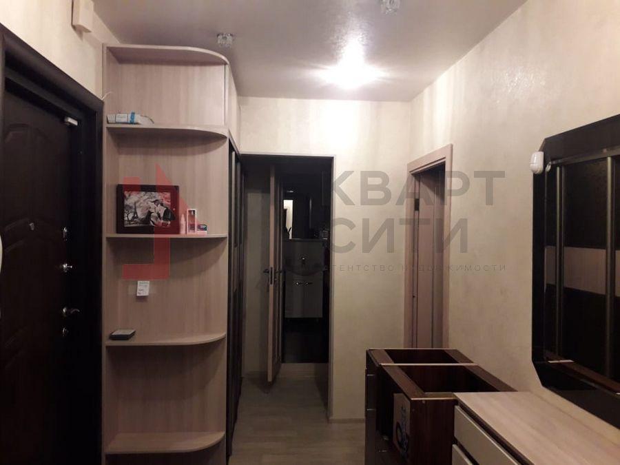 Продам 2-комн. квартиру по адресу Россия, Новосибирская область, Новосибирск, ул. Тихвинская,1 фото 1 по выгодной цене