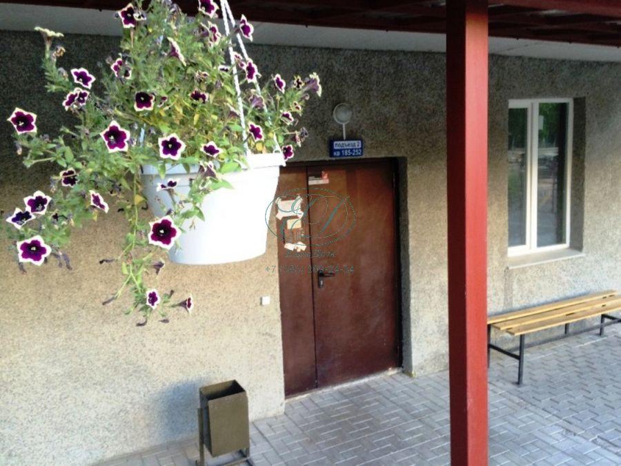 Продам 3-комн. квартиру по адресу Россия, Новосибирская область, Новосибирск, ул. Галущака,15 фото 3 по выгодной цене
