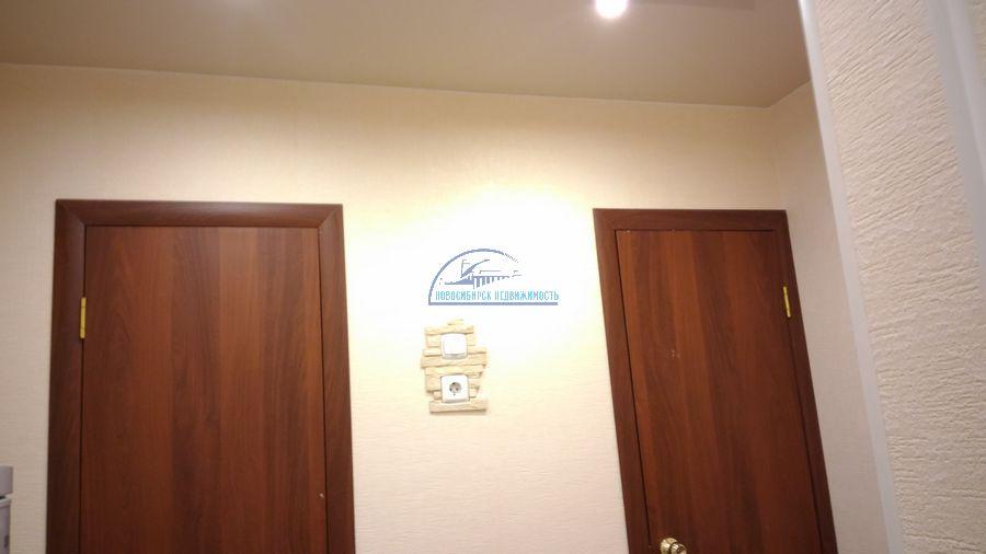 Продам 2-комн. квартиру по адресу Россия, Новосибирская область, Новосибирск, ул. Титова,236/2 фото 22 по выгодной цене