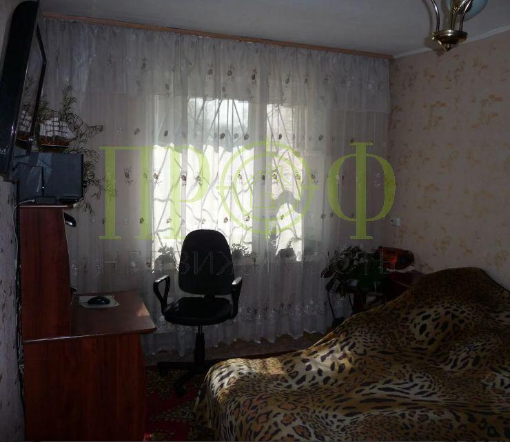 Продам 2-комн. квартиру по адресу Россия, Кемеровская область, Кемерово, ул. Рекордная,27 фото 1 по выгодной цене