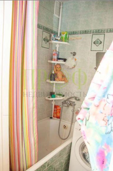 Продам 2-комн. квартиру по адресу Россия, Кемеровская область, Кемерово, б-р Строителей,30б фото 3 по выгодной цене