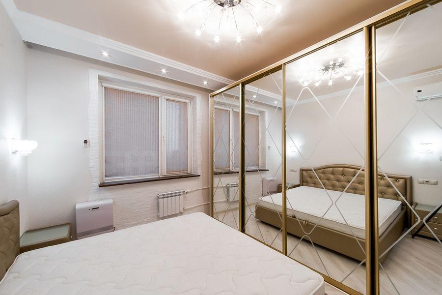 Продам 2-комн. квартиру по адресу Россия, Новосибирская область, Новосибирск, ул. Державина,77 фото 9 по выгодной цене